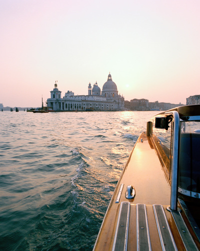 THE DESIGN-LOVER'S GUIDE TO VENICE
